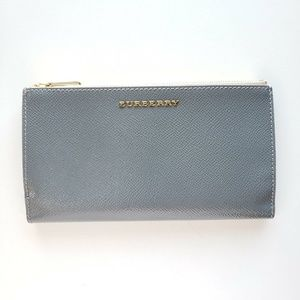Burberry Heritage Check Two-Tone Wallet - Gray